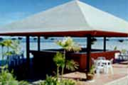 Island and Sun Beach Resort Bar